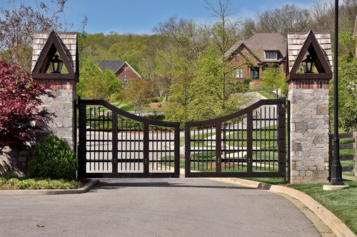 Avalon gates, custom homes Franklin, TN, Brentwood custom home builder, new construction, new homes Arrington, Thompson Station.