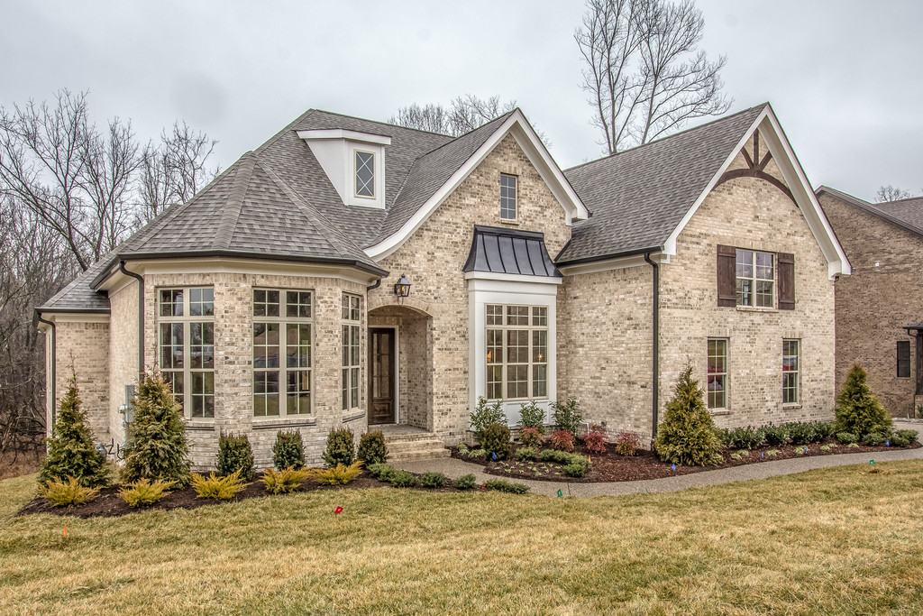 New homes, custom homes Thompson Station, TN, Franklin, Brentwood, King's Chapel, home builder, new construction Arrington.