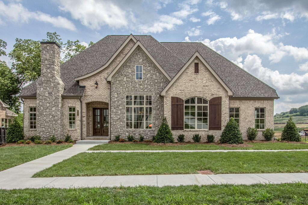Bridgemore Village, new construction in Thompson Station and Brentwood, TN, new homes home builder for custom homes and custom home design - Tennessee