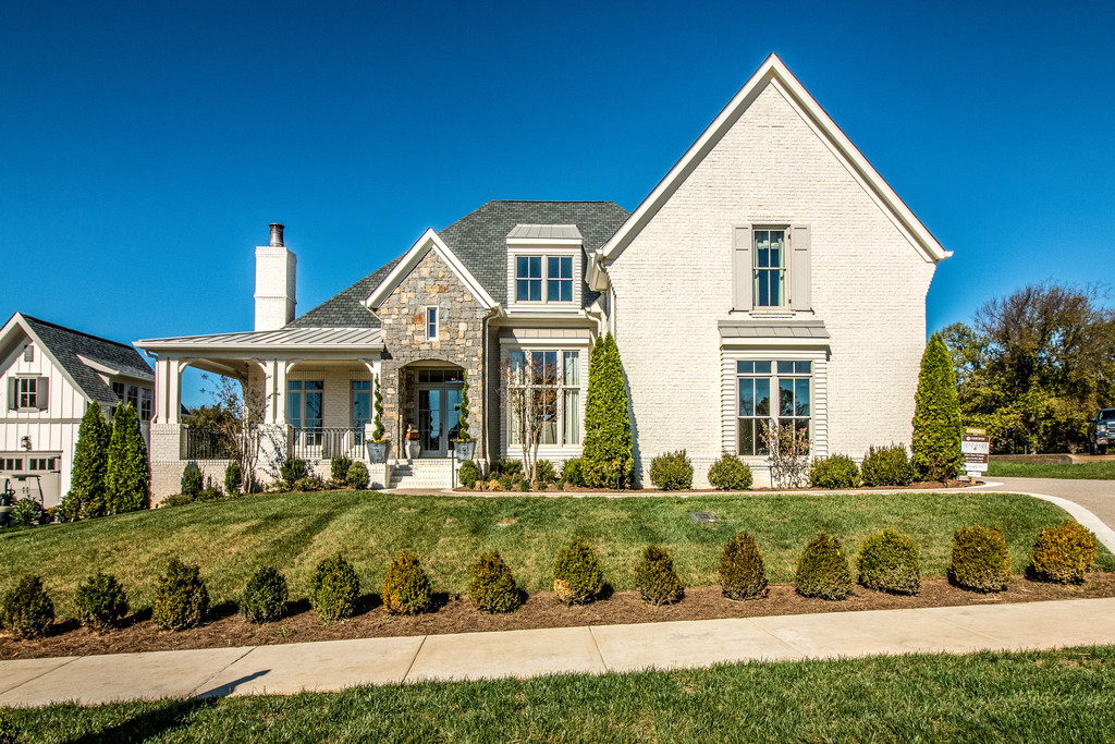 Custom home design exterior, new homes Brentwood, TN, Franklin, Thompson Station and Arrington, new construction custom homes home builder.