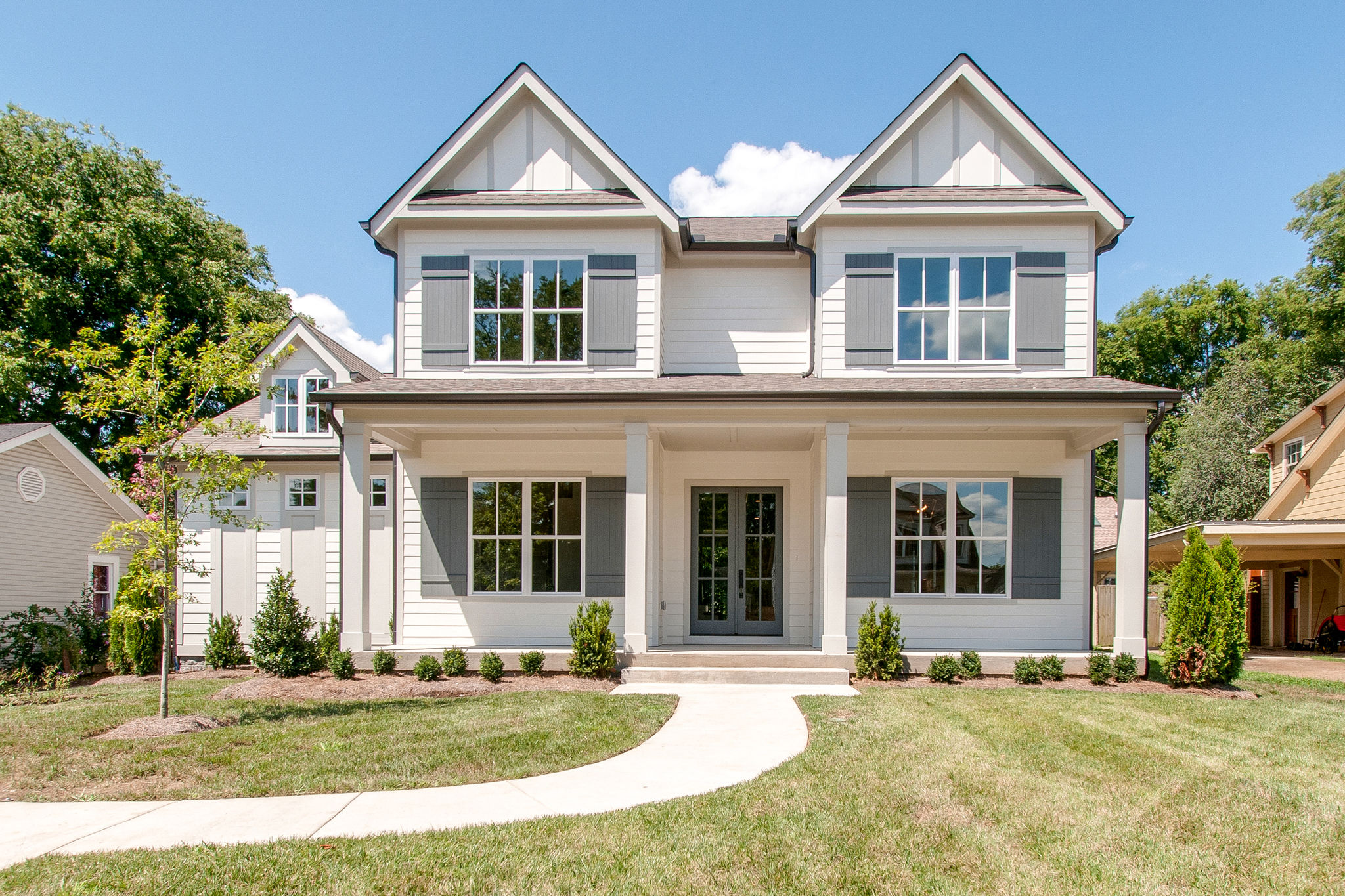 New Homes with landscape in Franklin, Brentwood, and Thompson Station TN with Custom Home Design