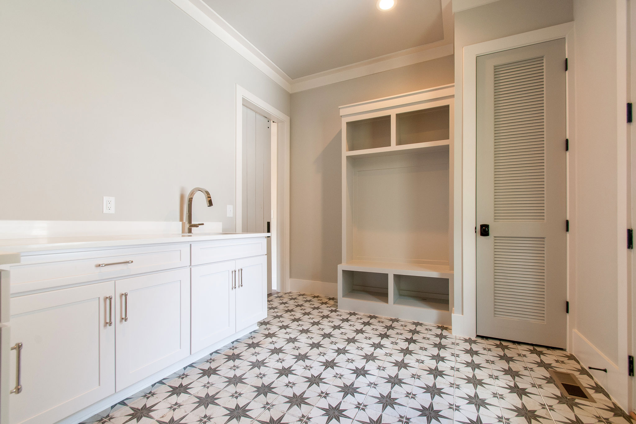 New Homes with large laundry room in Franklin, Brentwood, and Thompson Station TN with Custom Home Design