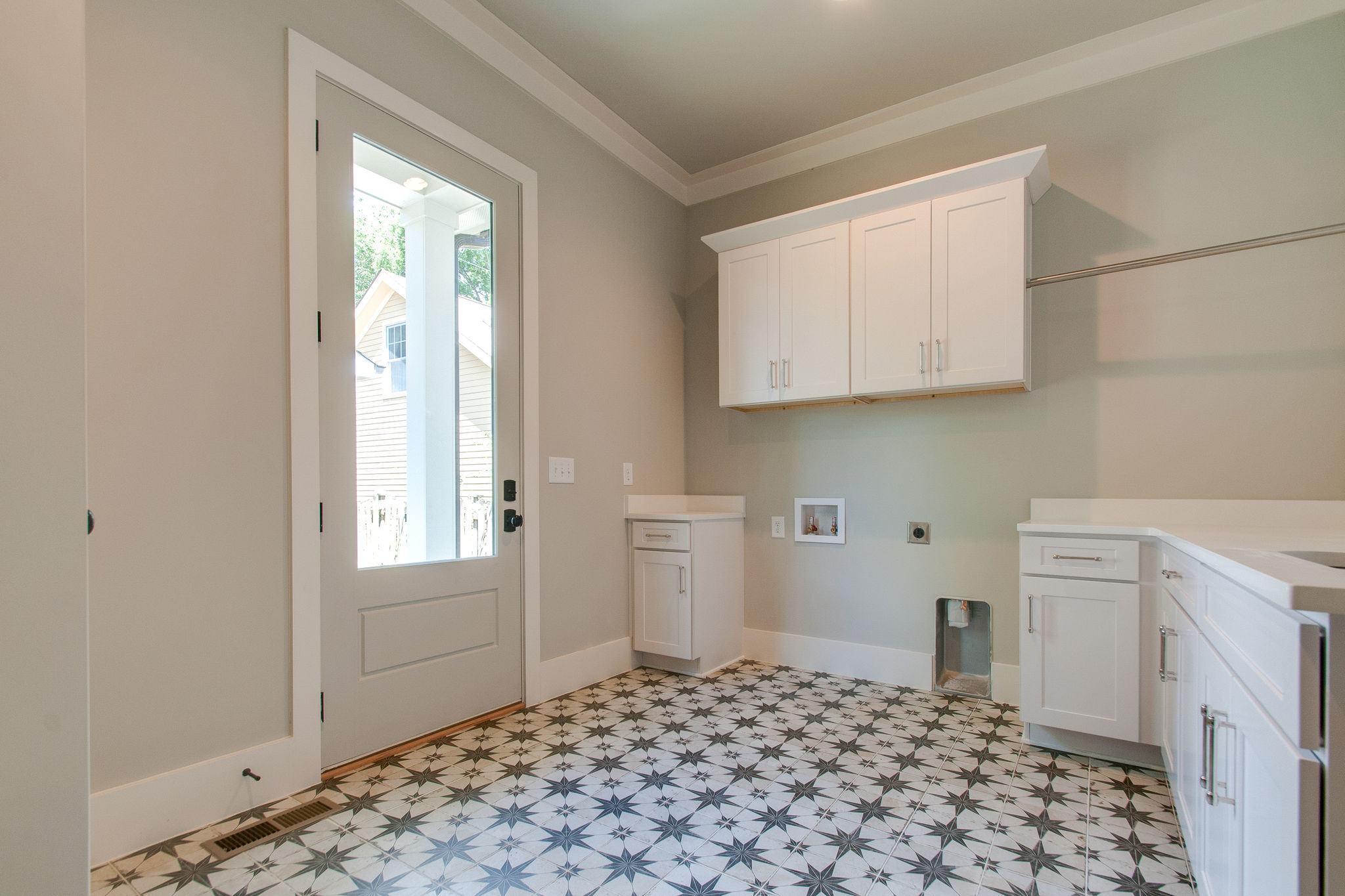 New Homes with laundry room in Franklin, Brentwood, and Thompson Station TN with Custom Home Design