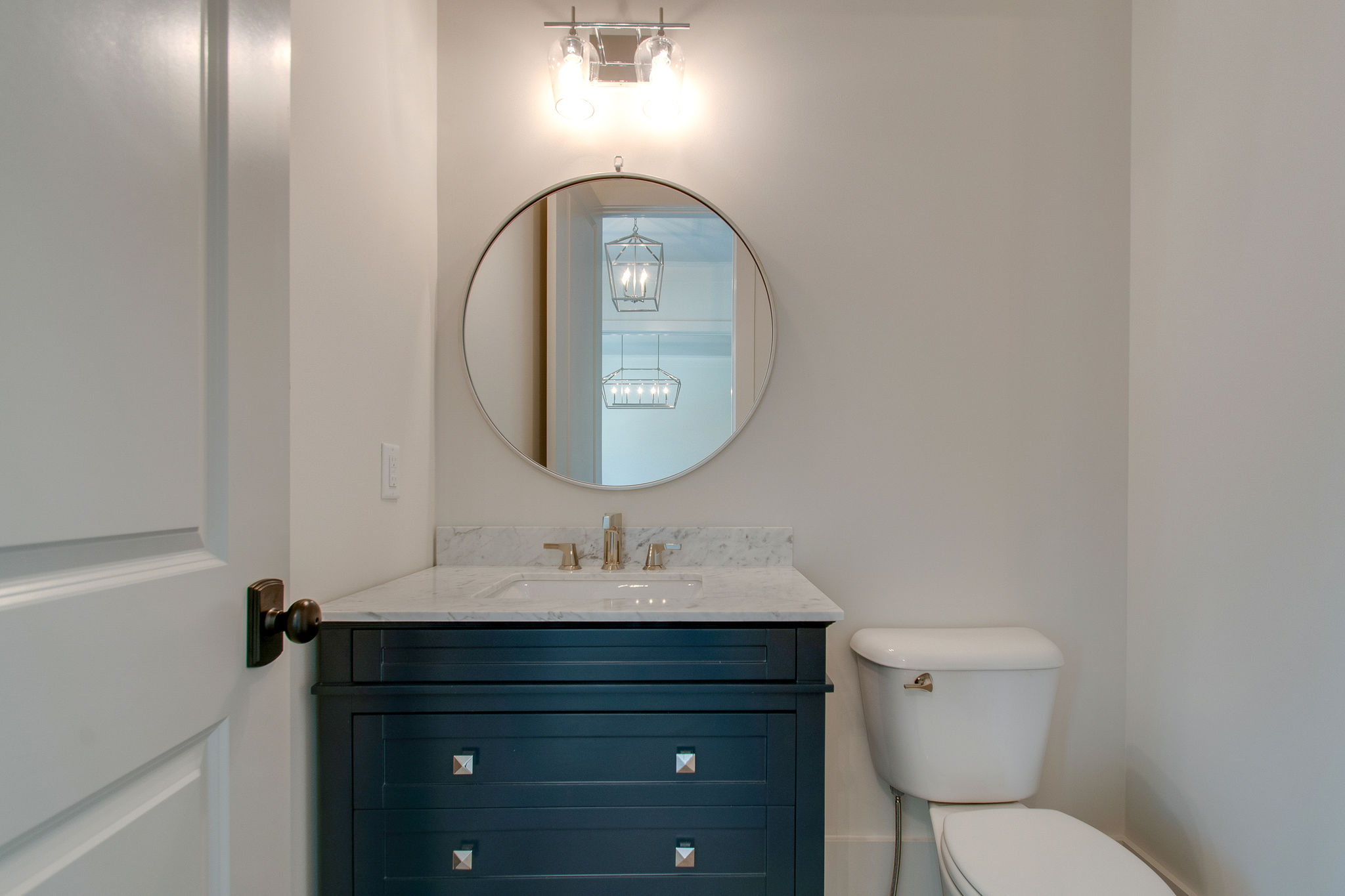 New Home with guest bathroom in Franklin, Brentwood, and Thompson Station TN with Custom Home Design