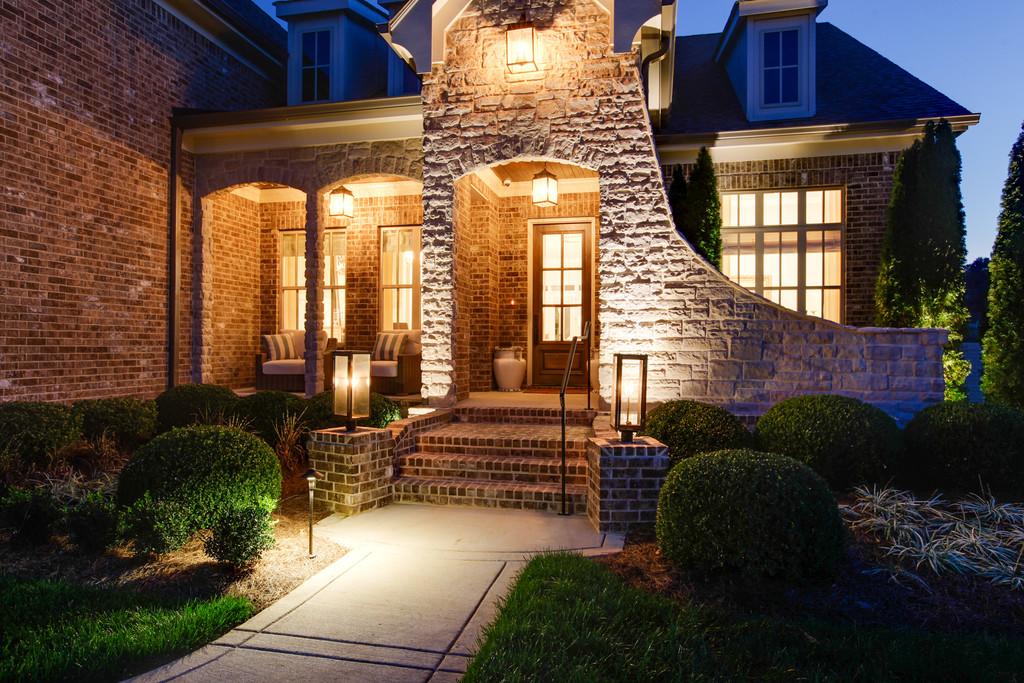 Home entry, new homes in Brentwood, TN and Franklin, TN, home builder for new construction and custom homes - Tennessee Valley Homes.